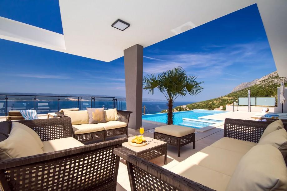 Luxury Villa Avior