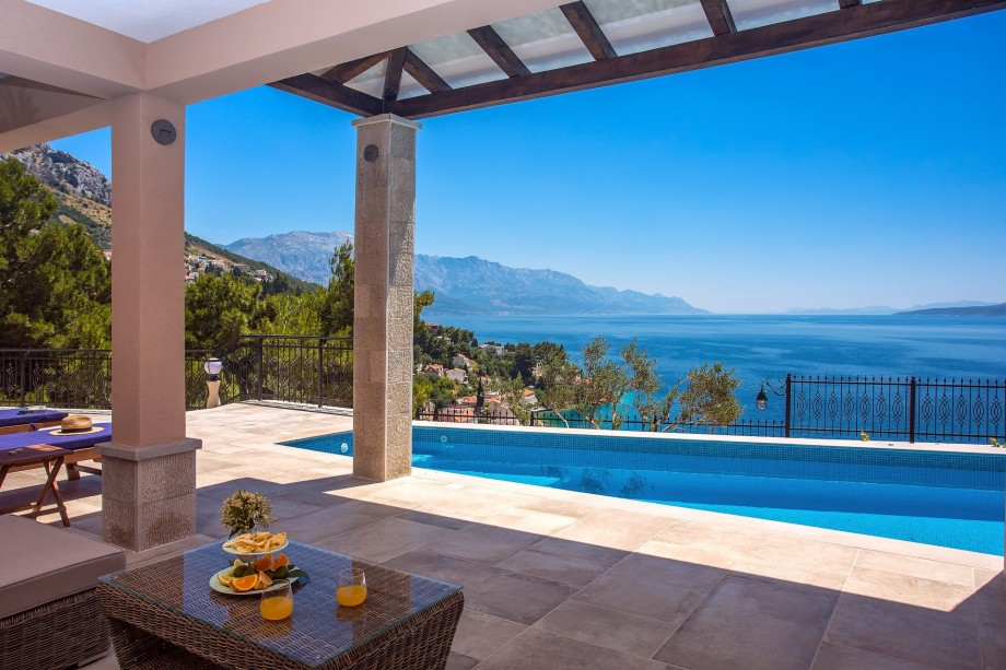 5 star Villa Porto Mimice with 40sqm private pool, 4 esuite bedrooms