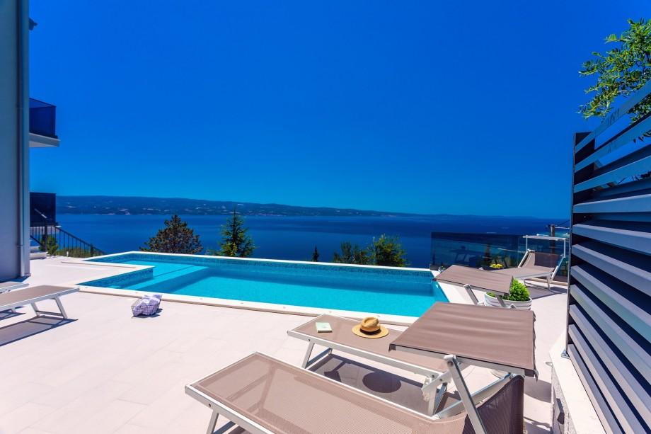 Villa Belvedere with heated pool, 4 bedrooms, 4 bathrooms, billiards, Media room