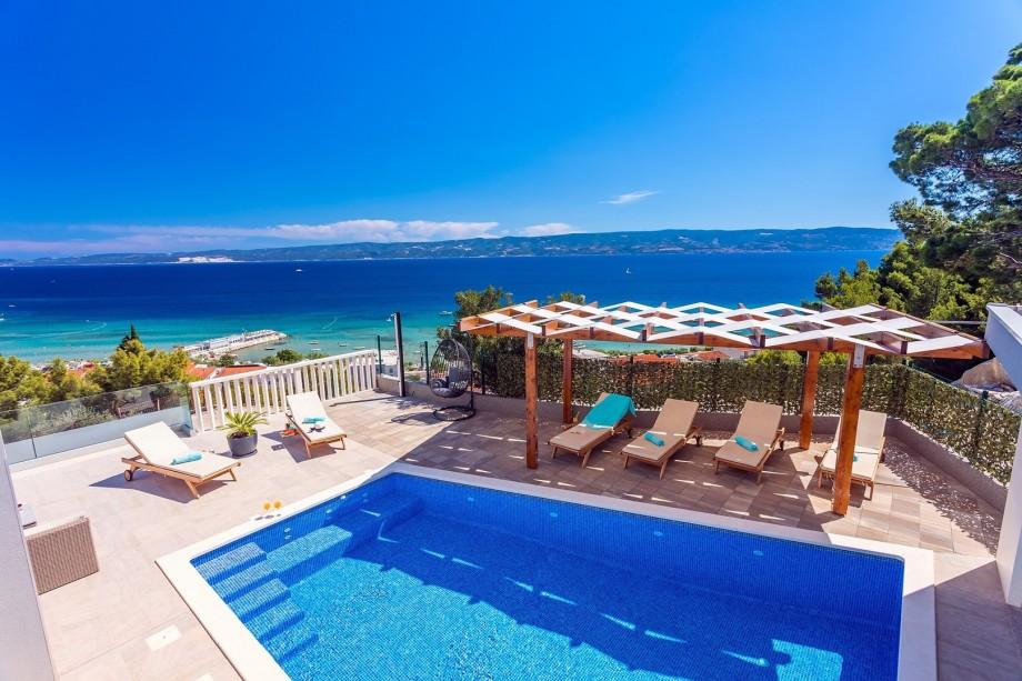 VILLA BAKOTA - private 28m2 pool, 4 bedrooms, 4.5 bathrooms, 10 persons MAX