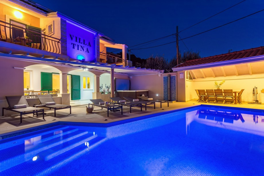 Villa Tina is a comfortable and fully air-conditioned accommodation for 12 people