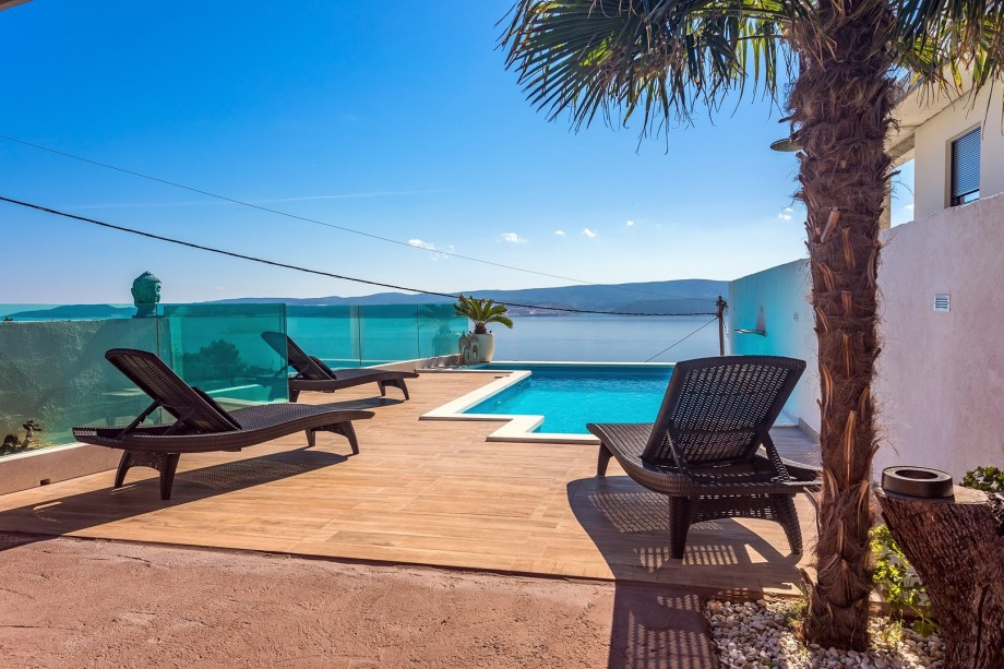Villa Casa del mar with private, heated pool and sea views