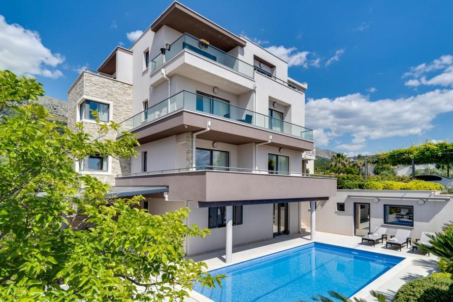 Luxury Villa Lucas