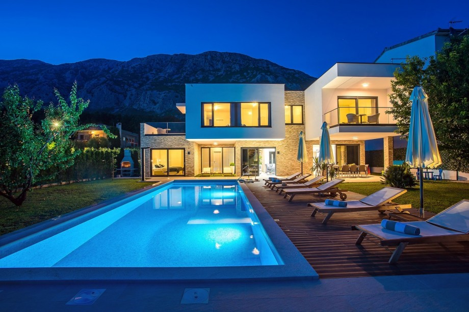 Night view on villa Agava and outdoor area