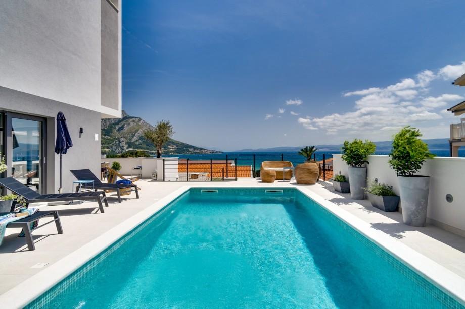 Brand new! Seaview villa Mila with 4 en-suite bedrooms, private pool, Finnish sauna, Treadmill