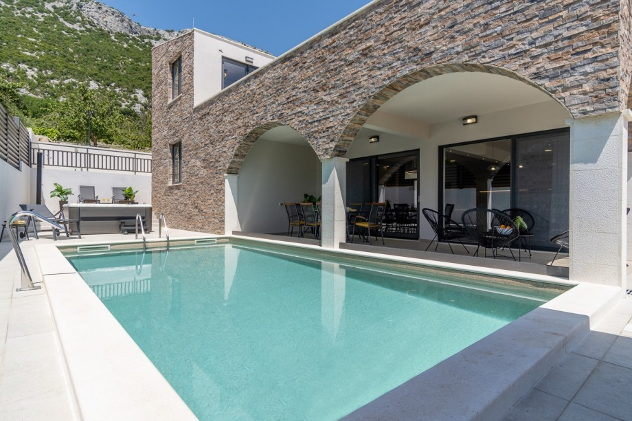 A newly built villa Eden is a very comfortable property furnished with high quality, fully air-conditioned with free Wi-Fi, offering all you need for a perfect stay in a home away from home